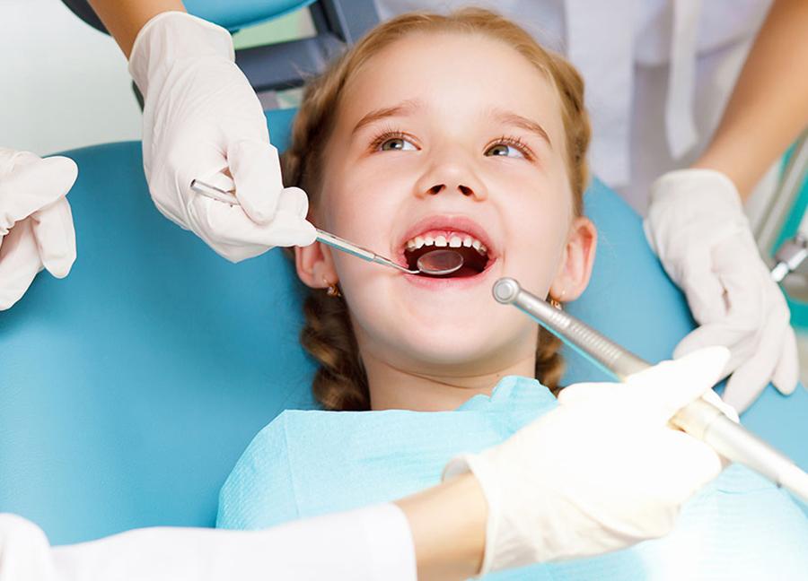 Kinderzahnarzt Zahnbürste