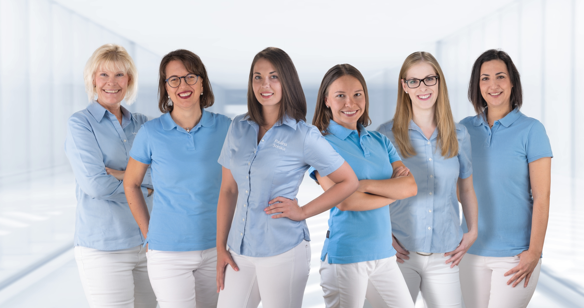 Das Team von der Verwaltung ist zuständig für die Patientenverwaltung, Abrechnung und berät in Versicherungsfragen